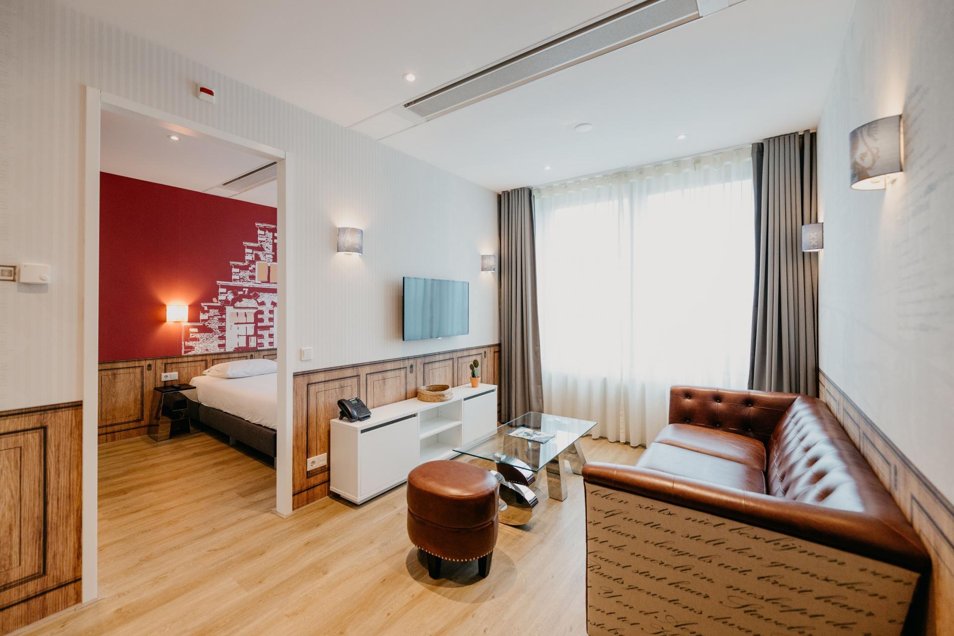 Living area at Amsterdam ID Aparthotel, Sloterdijk, Amsterdam - Citybase Apartments