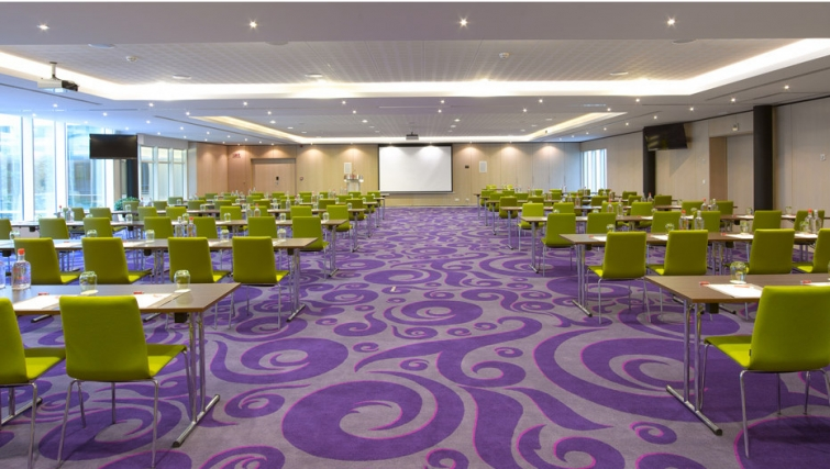 Fantastic conference room in Thon Residence EU - Citybase Apartments