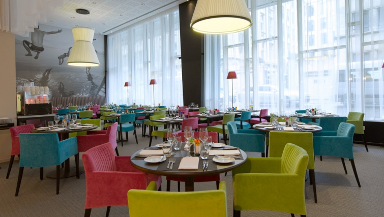 Charming restaurant in Thon Residence EU - Citybase Apartments
