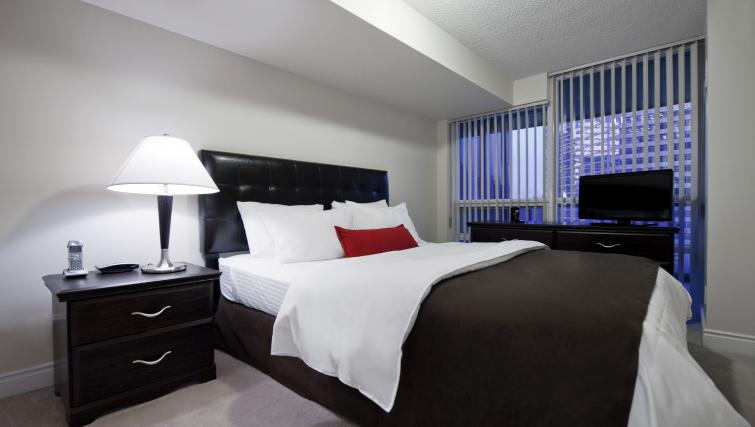 Bedroom at Meridian Apartments - Citybase Apartments