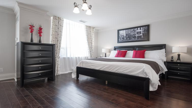 Bed at Meridian Apartments - Citybase Apartments