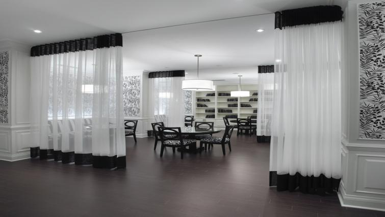 Card room at Meridian Apartments - Citybase Apartments