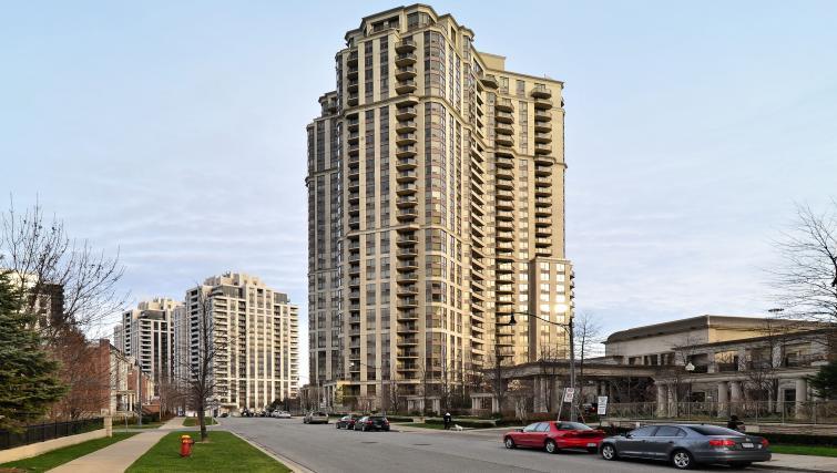Exterior at Avondale Apartments - Citybase Apartments