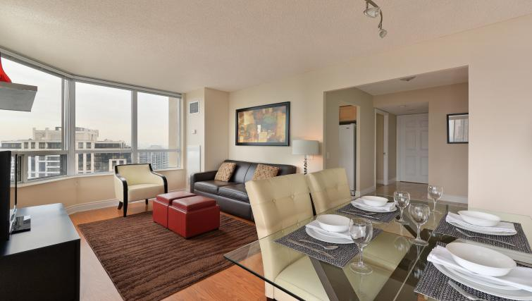 Dining table at Avondale Apartments - Citybase Apartments