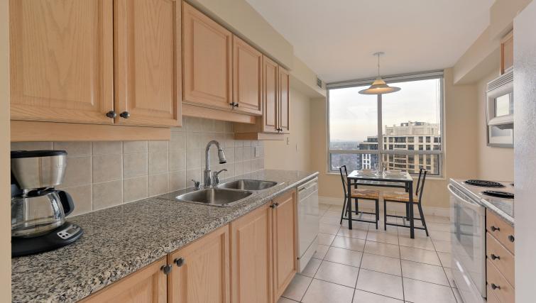 Kitchen at Avondale Apartments - Citybase Apartments