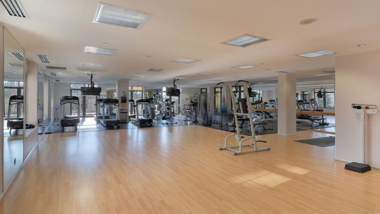Studio at Avondale Apartments - Citybase Apartments