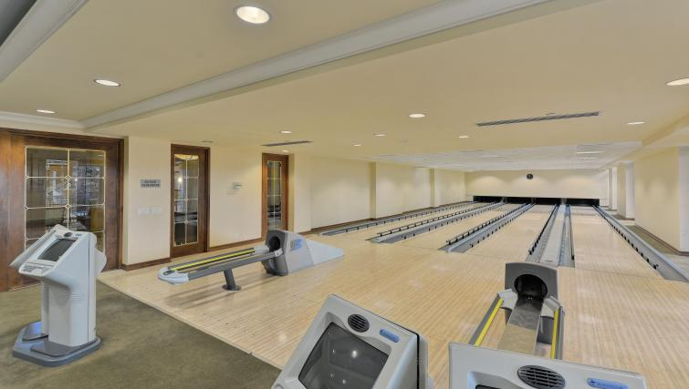 Bowling alley at Avondale Apartments - Citybase Apartments