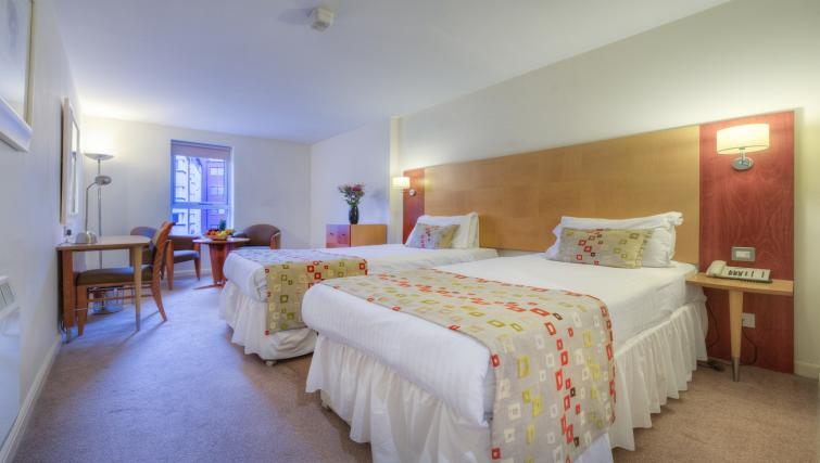 Twin beds at Holyrood Aparthotel - Citybase Apartments