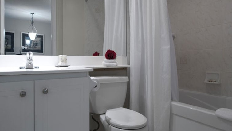 Immaculate bathroom in Icon Apartments - Citybase Apartments