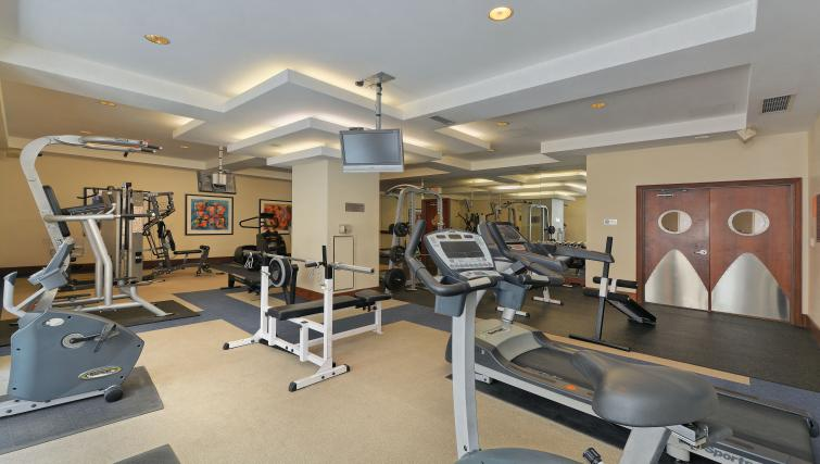Gym at Qwest Apartments - Citybase Apartments