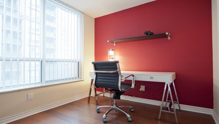 Desk at Qwest Apartments - Citybase Apartments