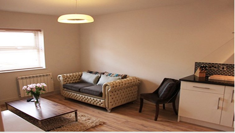 Charming living area in Bridge Apartments - Citybase Apartments
