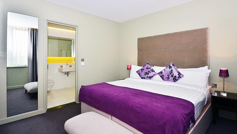 Tasteful bedroom in So Battersea Apartments - Citybase Apartments