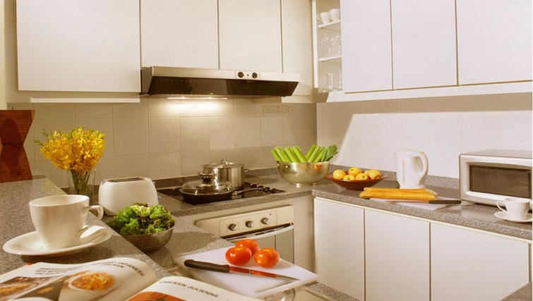 State-of-the-art kitchen in Somerset Bencoolen Apartments, Singapore - Citybase Apartments