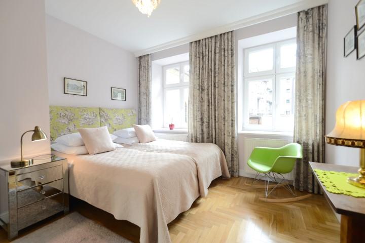 Twin beds at Rosa and Manka Apartments - Citybase Apartments