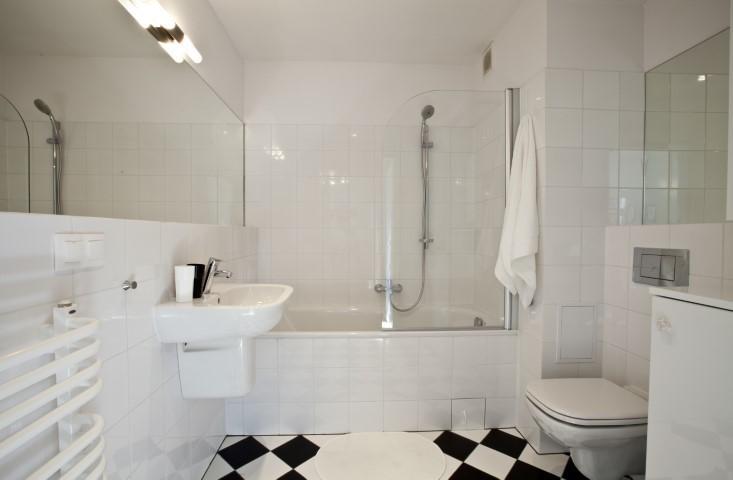 Bathroom at Rosa and Manka Apartments - Citybase Apartments