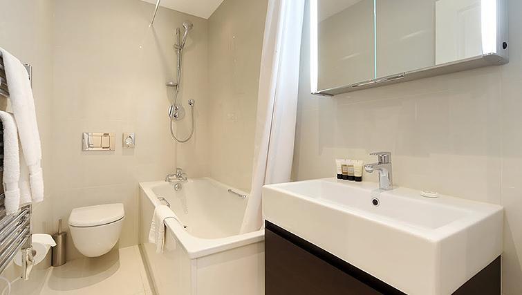 Bathroom at Ashburn Court Apartments - Citybase Apartments