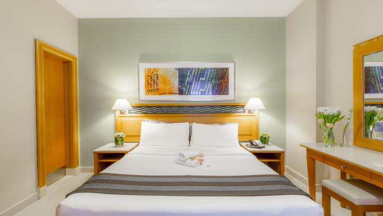 Bed at Golden Sands Apartments - Citybase Apartments