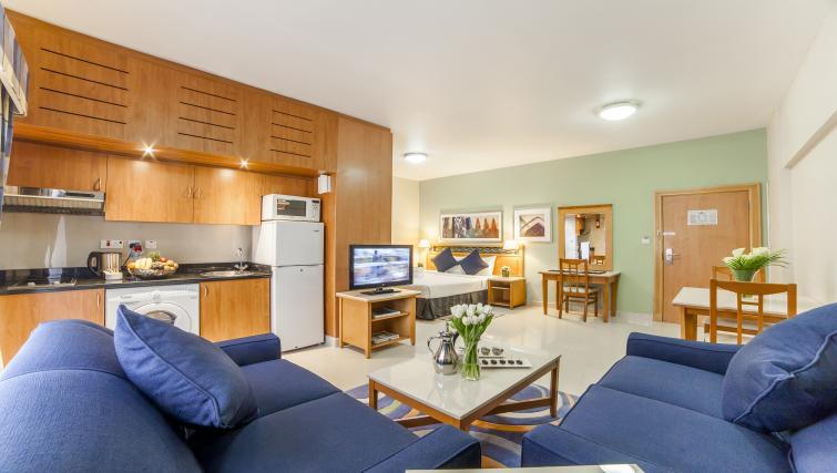 Gorgeous studio apartment at Golden Sands Apartments - Citybase Apartments