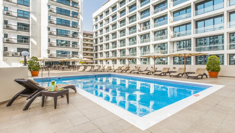 Swimming pool - Citybase Apartments