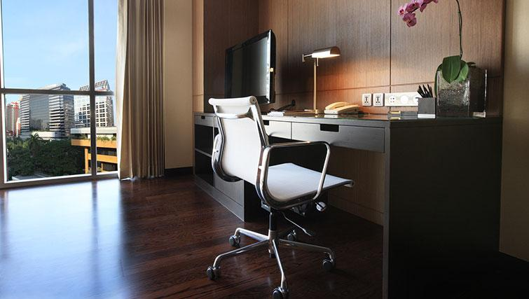 Practical study area in Marriott Executive Apartments Sathorn Vista - Bangkok - Citybase Apartments