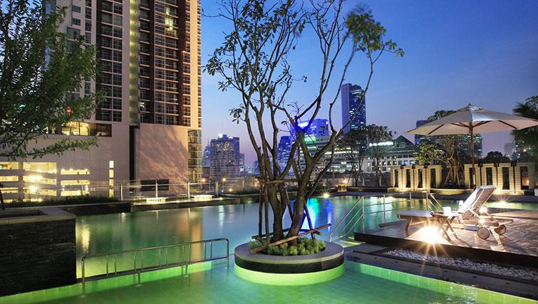 Swimming pool at Marriott Executive Apartments Sathorn Vista - Bangkok - Citybase Apartments