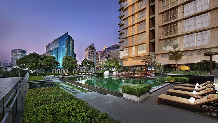 Gorgeous pool in Marriott Executive Apartments Sathorn Vista - Bangkok - Citybase Apartments