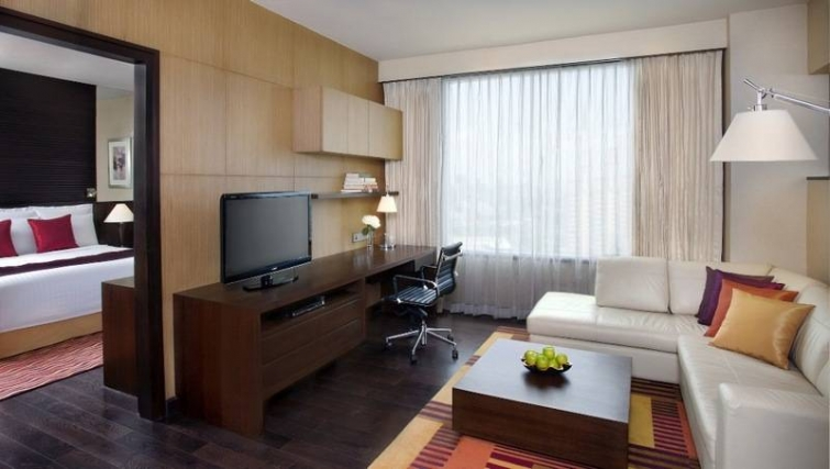 Contemporary living area in Marriott Executive Apartments Sukhumvit Park - Bangkok - Citybase Apartments