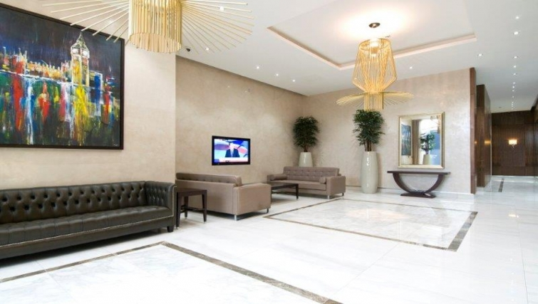 Tasteful lobby area in Dickens Yard Apartments - Citybase Apartments