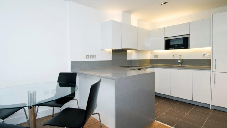 Ideal kitchen in Dickens Yard Apartments - Citybase Apartments