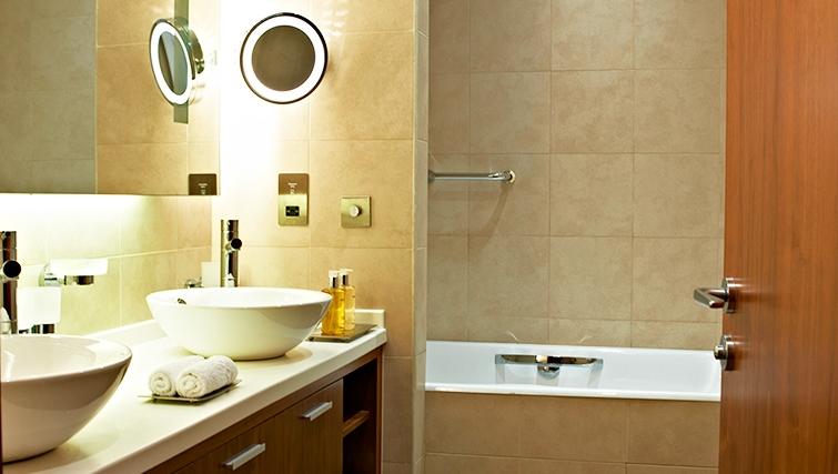 Stylish bathroom in InterContinental Doha The City - Citybase Apartments