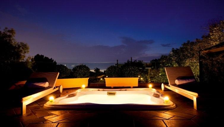 Glorious hot tub in The Kefalari Suites - Citybase Apartments