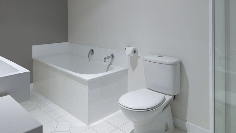 Modern bathroom in Adina Apartment Hotel Melbourne, St Kilda - Citybase Apartments