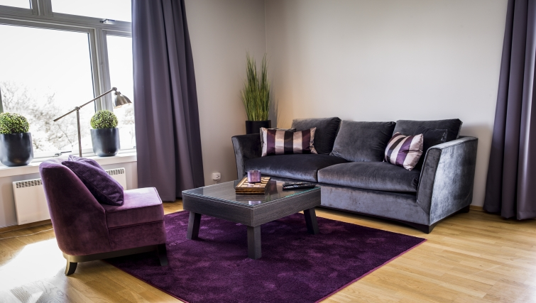Classy living area in Underhaugsveien Apartments. - Citybase Apartments
