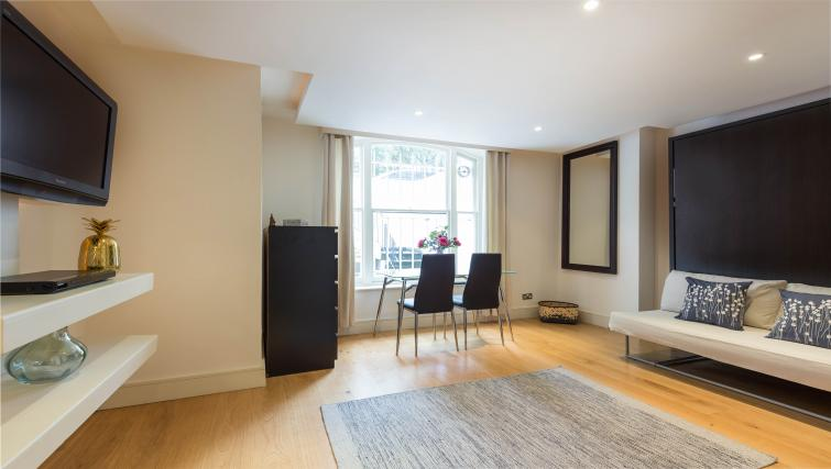 Bright and airy living space at The Armitage Hyde Park - Citybase Apartments
