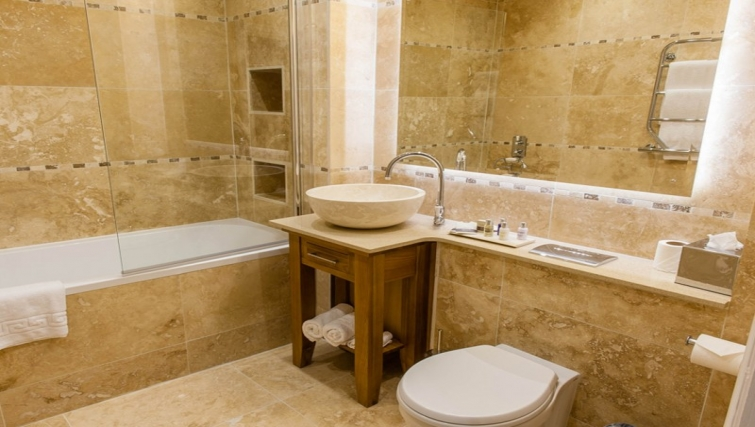 Bathroom at Richmond Liverpool Apartments - Citybase Apartments
