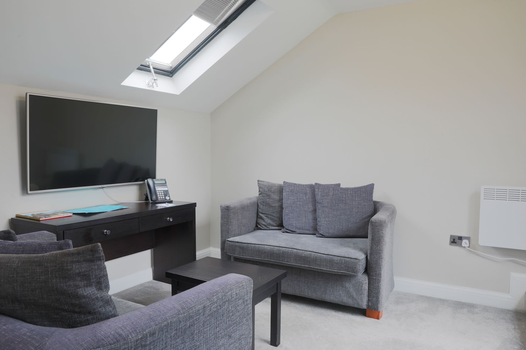 Living area at Richmond Liverpool Apartments, Centre, Liverpool - Citybase Apartments