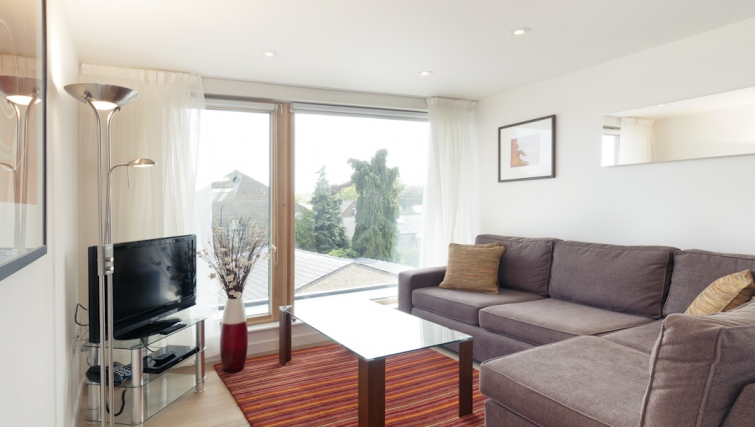 Bright living area at Cambridge Place Apartments - Citybase Apartments