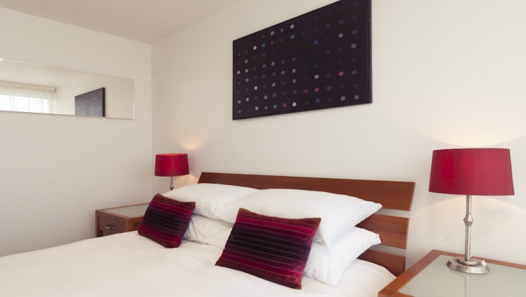 Double bedroom at Cambridge Place Apartments - Citybase Apartments