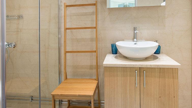 Bathroom in Upplandsgatan Apartments - Citybase Apartments
