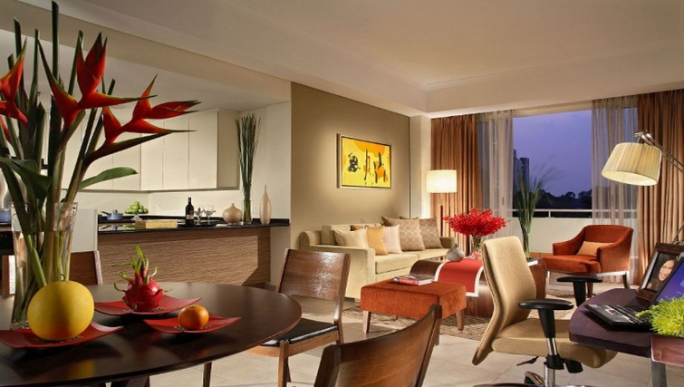 Contemporary living area in Somerset Chancellor Court Apartments - Citybase Apartments