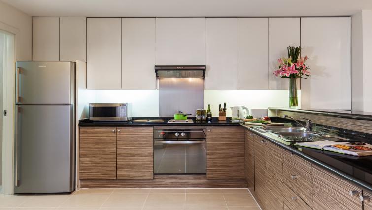 Modern kitchen at Somerset Chancellor Court Apartments - Citybase Apartments