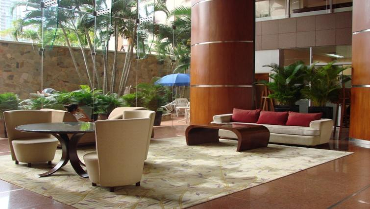 Lobby at Somerset Chancellor Court Apartments - Citybase Apartments