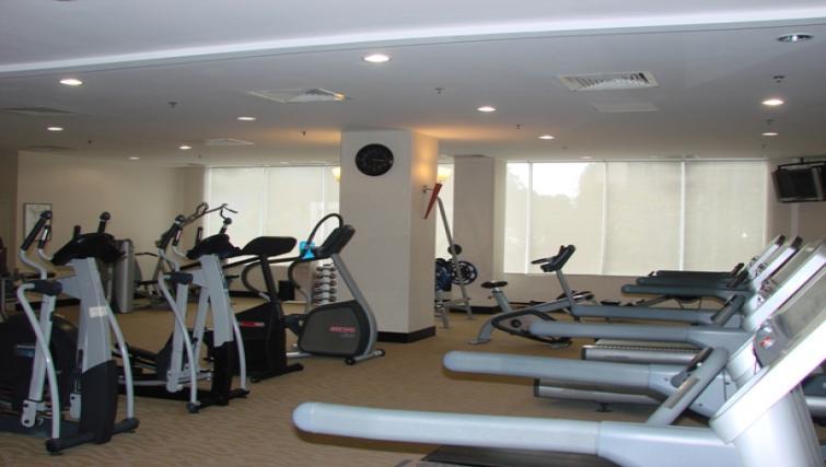 Gymnasium at Somerset Chancellor Court Apartments - Citybase Apartments