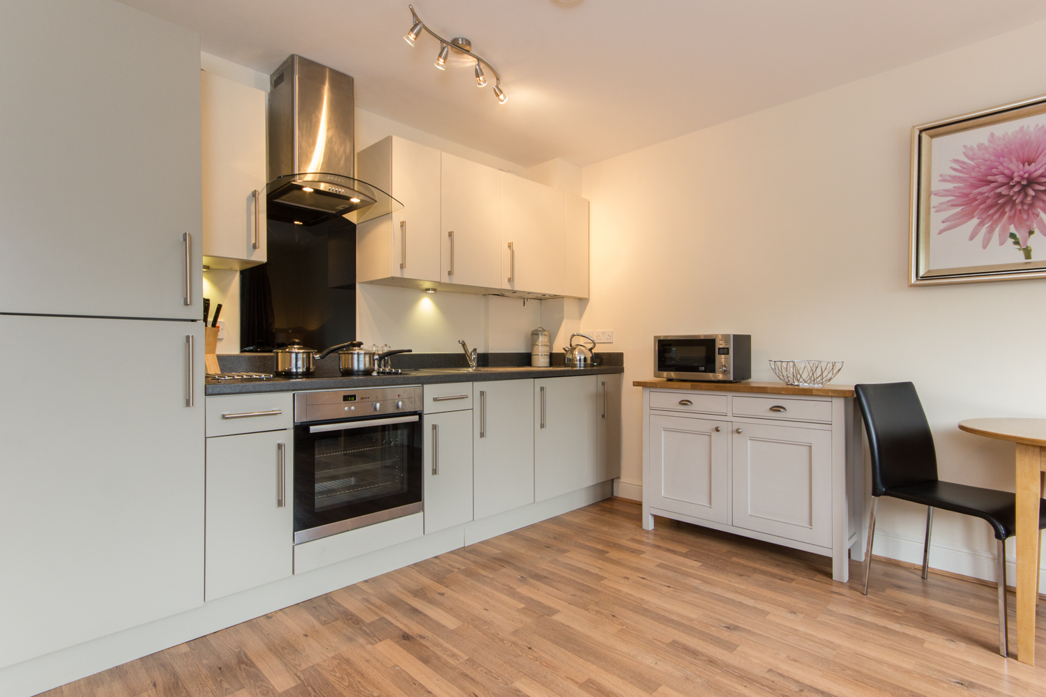 Kitchen facilities at Cambridge Citygate Apartments - Citybase Apartments