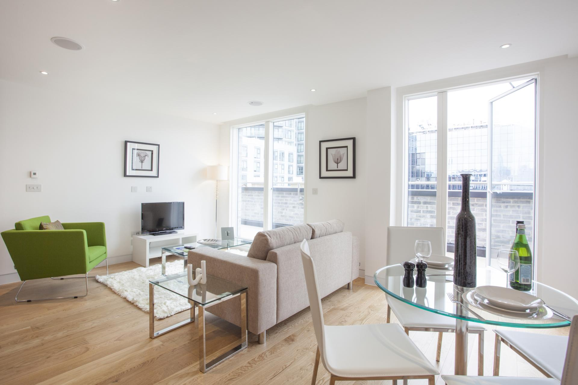 Dining table at London Square Apartments - Citybase Apartments