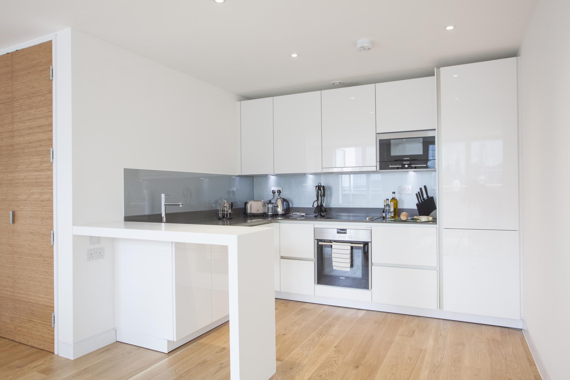 Kitchen at London Square Apartments - Citybase Apartments