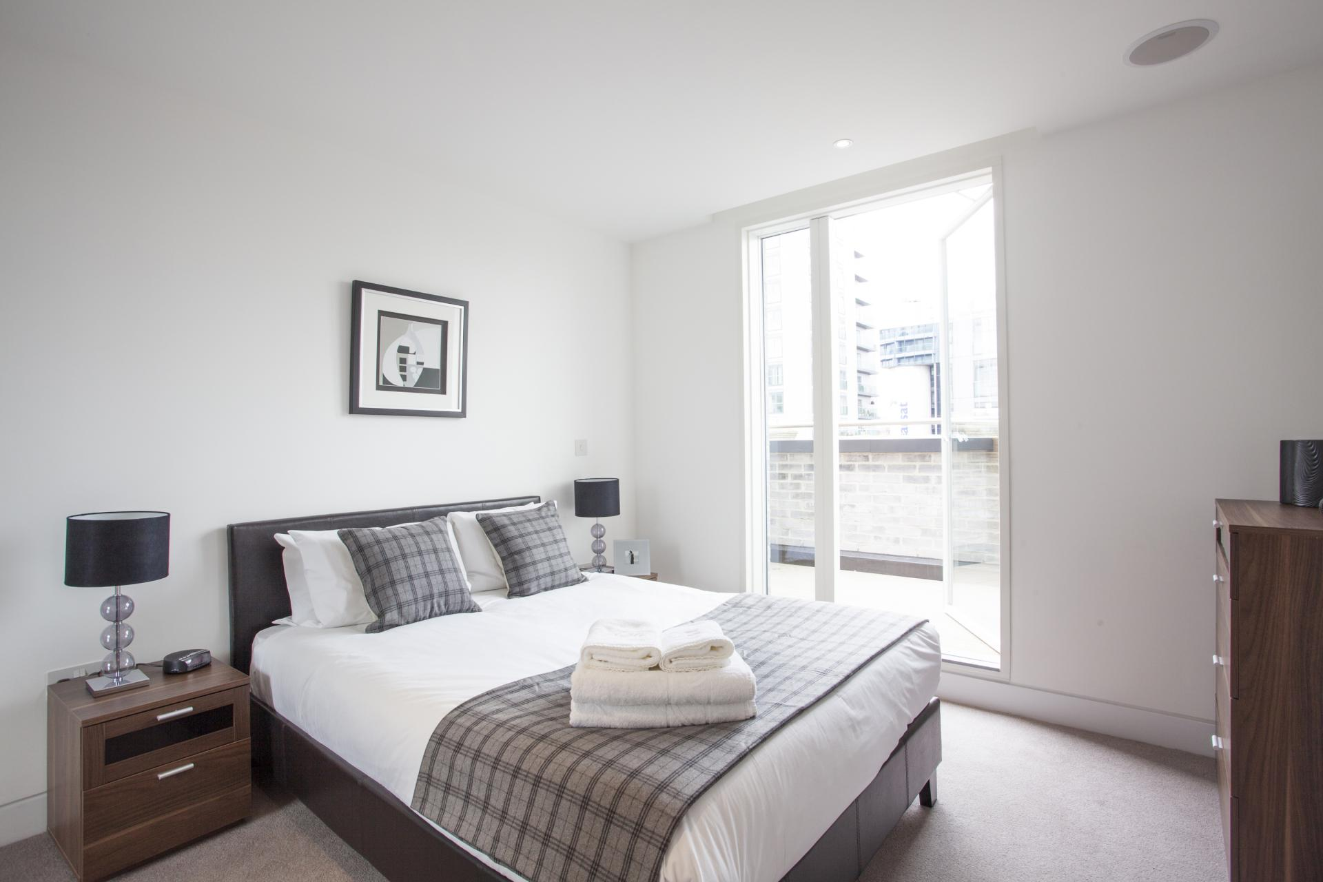 Bedroom at London Square Apartments - Citybase Apartments