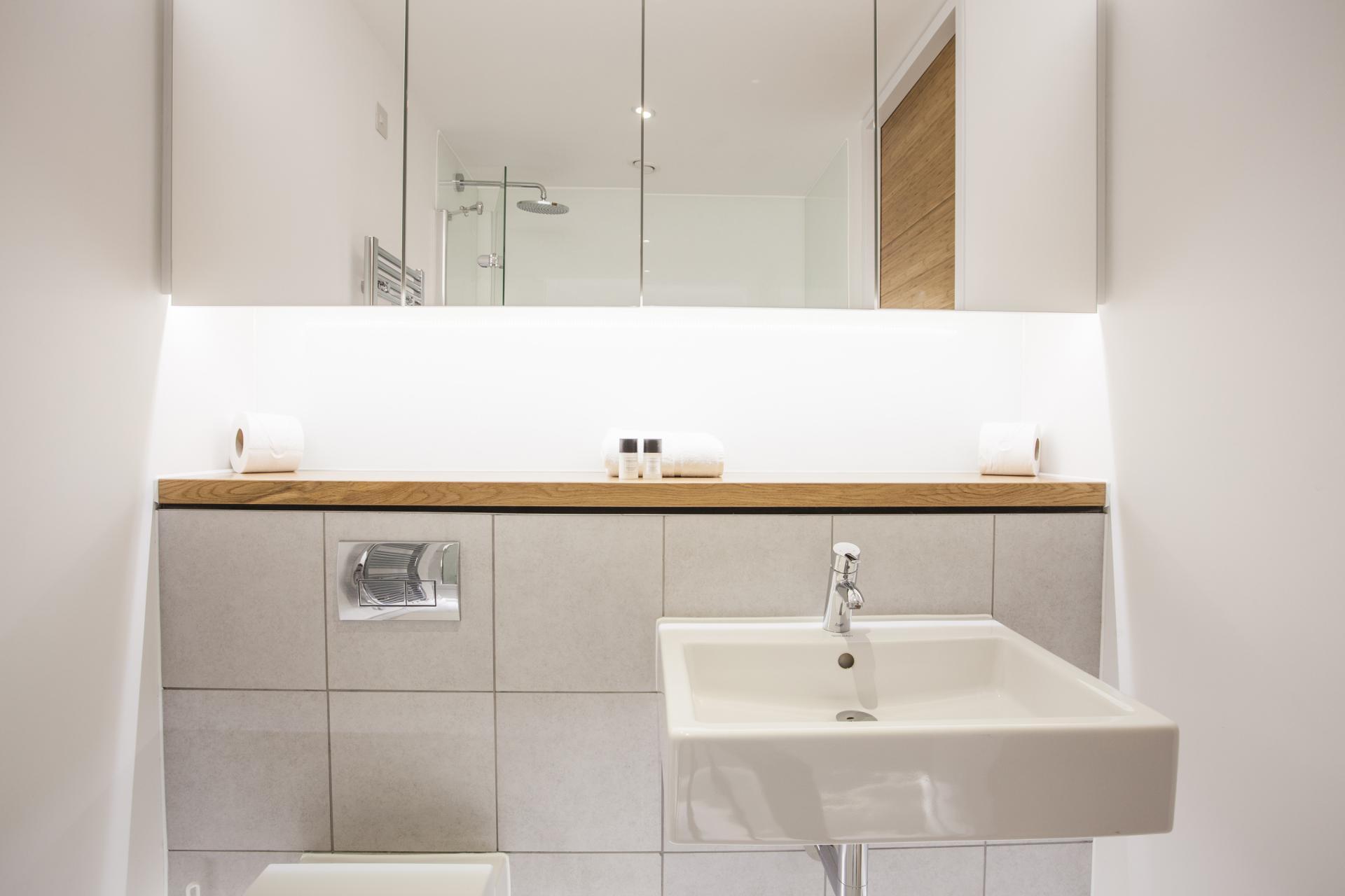 Bathroom at London Square Apartments - Citybase Apartments