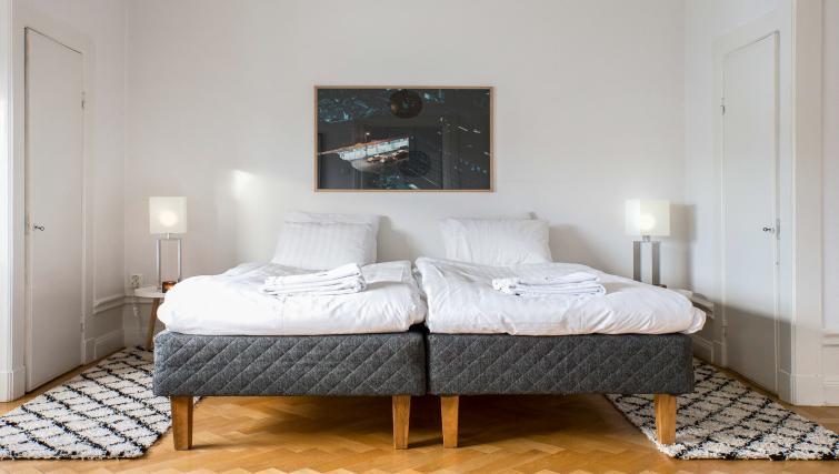Twin beds at Vasastan Apartments - Citybase Apartments